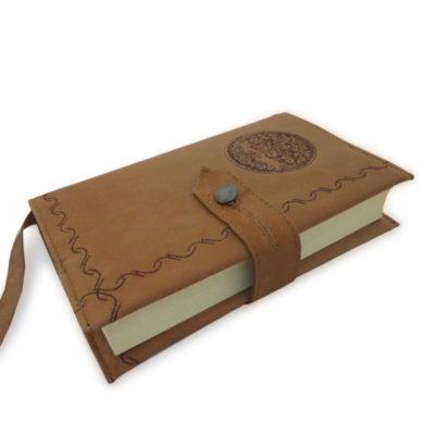 Kožený obal na knihu hnědý