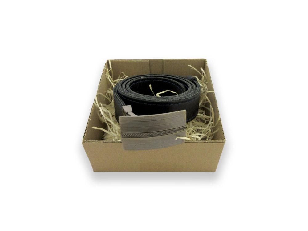 Pánský kožený černý opasek s kovovou přezkou